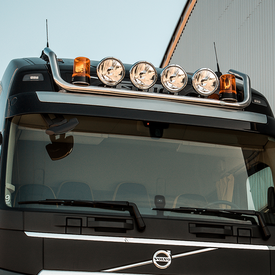 Takbåge nedsänkt 4-6 ljus Volvo FH4-0